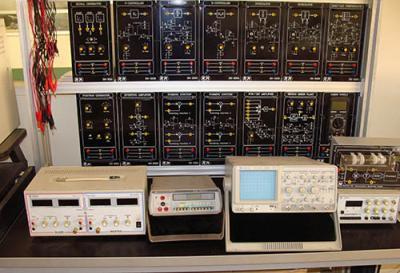 آزمایشگاه سیستم های کنترل خطی (آموزشی)
