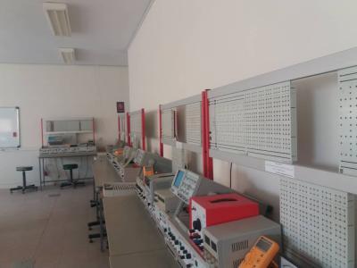 آزمایشگاه الکترونیک (آموزشی)